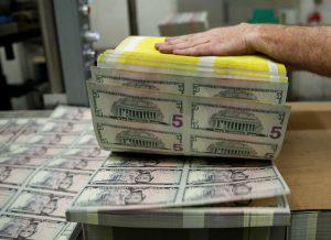 Dollar Hits 2-Week Lows as Pandemic Fears Intensify